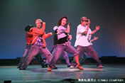大手テーマパークに約20名以上がダンサー、シンガー、アクターとしてレギュラー出演!